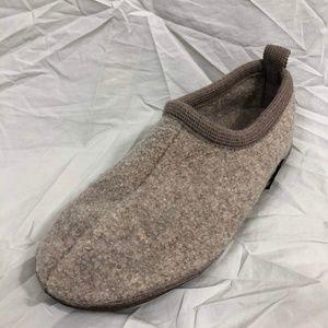 Haflinger Shoes - Haflinger Wool Slippers Estimated Size 9 Men's